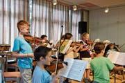 Herisauer Drittklässler musizieren nach einem Jahr Streichunterricht fast wie Profis. (Bild: PD)
