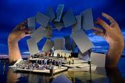 "Szene aus ""Carmen"" an den Bregenzer Seefestspielen (Bild: Gian Ehrenzeller/Keystone)"