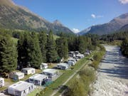 Die Campingplätze verzeichnen bessere Buchungsstände als im Vorjahr: Im Bild der Campingplatz in Samedan. (Bild: KEYSTONE/PPR/TCS CAMPING)