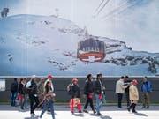 In der vergangenen Wintersaison kamen insbesondere mehr Touristen aus asiatischen Ländern in die Schweiz. (Bild: KEYSTONE/URS FLUEELER)