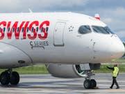 Airbus übernimmt die C-Series von Bombardier: ein C-Series-Flugzeug der Swiss (Archivbild). (Bild: KEYSTONE/AP CP/GRAHAM HUGHES)