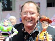 """Nimmt nach """"ungewollten Umarmungen"""" den Hut: der Mitgründer des US-Filmstudios Pixar, John Lasseter. (Bild: KEYSTONE/FR170044 AP/KATY WINN)"""