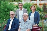 Der abtretende Präsident Michael Lerch, sein Nachfolger Hansjörg Stettler, der bisherige Vermietungschef Franz Staubli und Regula Brunner, die das Mietwesen übernimmt. (Bild: Mathias Frei)
