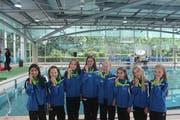 Die Jugend 3 präsentiert stolz die Bronzemedaillen: Angelique Camensch, Yael Lehner, Jael Hollenstein, Hannah Coviz, Carla Jäger, Melania Capozzi, Rebecca Jütz und Luca Nagypál (von links). (Bilder: PD)