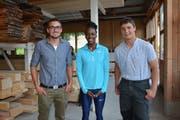 Die drei anwesenden Preisträger, von links: Mirco Signer, Jasmin Giger und Werner Schlegel. (Bild: Beat Lanzendorfer)