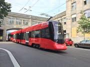 Die neuen Tango-Züge der Appenzeller Bahnen sind zugleich Trams und Überlandzüge. (Bild: Silvia Minder, sda)