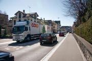 Lastwagen in Gossaus Zentrum sind seit Jahren ein leidiges Thema. (Bild: Michel Canonica)