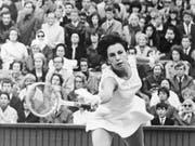 Dominantes Spiel am Netz und 19 Grand-Slam-Titel: Der brasilianische Tennisstar Maria Bueno starb mit 78 Jahren an Krebs. (Bild: KEYSTONE/AP/LAURENCE HARRIS)