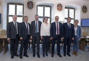 Die neue Nidwaldner Regierung (von links): Joe Christen, Josef Niederberger, Othmar Filliger, Michele Blöchliger, Alfred Bossard, Res Schmid und Karin Kayser. | Corinne Glanzmann