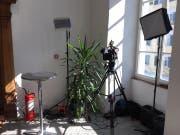 Das temporäre Fernseh-Studio im Rathaus in Stans. | Bild: Oliver Mattmann