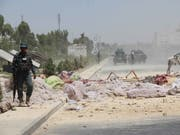Trümmerfeld nach einer Bombenexplosion in der afghanischen Stadt Kandahar im Mai. Urheber sollen die radikalislamischen Taliban sein. (Bild: KEYSTONE/EPA/MUHAMMAD SADIQ)