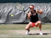 Fühlt sich bereit,um wieder anzugreifen: Belinda Bencic beim Training in Wimbledon (Bild: KEYSTONE/PETER KLAUNZER)