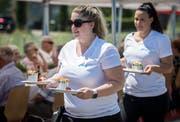 """Mit dem Anlas """"Mammern am langen Tisch"""" lud die Unterseegemeinde zum gemeinsamen Essen. (Bild: Reto Martin)"""