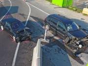 Eine Frontalkollision hat in Rickenbach bei Wil TG drei Verletzte gefordert. (Bild: Kantonspolizei Thurgau)