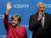 Die deutsche Kanzlerin Angela Merkel hat sich im Disput um die Asylpolitik Deutschlands mit Horst Seehofer durchgesetzt. (Bild: KEYSTONE/AP Files/MATTHIAS SCHRADER)
