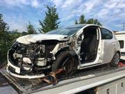 Am Unfallauto entstand Totalschaden. (Bild: Luzerner Polizei)