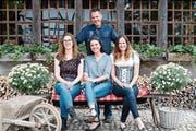 """Der 36-jährige Simon nimmt drei Hofdamen zur """"Lagebeurteilung"""" mit in den Thurgau."""