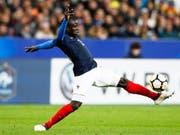 N'Golo Kanté (Bild) will Teamkollege Eden Hazard das Leben schwer machen (Bild: KEYSTONE/EPA/YOAN VALAT)