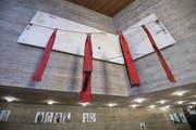 Das Kunstwerk «Gran Esquinçal» von Antoni Tapies im Foyer des Theaters St.Gallen. (Bild: Ralph Ribi - 20. Dezember 2017)