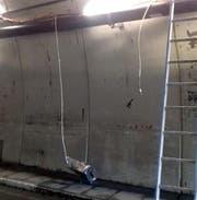 Die Schäden nach dem Fall vom 14. März. (Bild: Feuerwehr-Brunnen.ch)