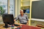 Peter Rudolf unterrichtete während 38 Jahren im Schulhaus Wier I, das bald abgerissen wird und einem Neubau weicht. (Bild: Sabine Schmid)