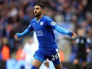 Für ihn zahlte Manchester City die Rekord-Ablösesumme von über 60 Millionen Pfund: Riyad Mahrez, hier im Dress seines bisherigen Klubs Leicester (Bild: KEYSTONE/EPA/TIM KEETON)
