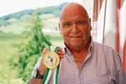 Schütze Toni Andres freut sich über seine Goldmedaille. (Bild: Maya Heizmann)
