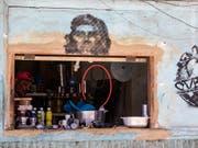 Ein privat lizenzierter Laden für Haushaltswaren in der kubanischen Hauptstadt Havanna. (Bild: KEYSTONE/AP/DESMOND BOYLAN)