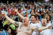 Die englischen Anhänger feiern den Sieg im Achtelfinal gegen Kolumbien. (Bild: Victor R. Caivano/AP (Moskau, 3. Juli 2018))