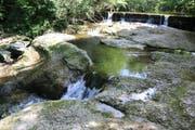 Lebenswichtig: Kleine Wasserfälle bringen Sauerstoff ins Wasser.