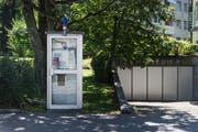 Die Kabine an der Rehetobelstrasse wird im September vom Netz genommen. Stattdessen entsteht eine Mini-Bibliothek. (Bild: Michel Canonica)