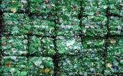 Alte PET-Flaschen sind der Rohstoff der Poly Recycling AG. (Bild: Reto Martin)