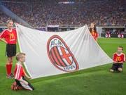 Gehörte früher Silvio Berlusconi, ist neu im Besitz eines amerikanischen Hedgefonds: Der italienische Traditionsverein AC Mailand. (Bild: KEYSTONE/AP Images/ANDY CLAYTON-KING)