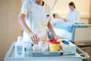 Die Krankenkassen-Prämien dürften 2019 moderat ansteigen. (Bild: Boris Bürgisser)