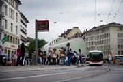 Für viele gehört der Calatrava inzwischen fix zum Marktplatz und ist ein Wahrzeichen der Stadt St.Gallen. (Bild: Urs Jaudas - 24. August 2012)