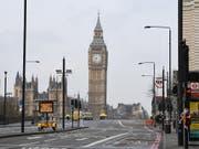 Schauplatz der Brexit-Debatten: die Houses of Parliament mit Uhrturm Big Ben in London. (Bild: KEYSTONE/EPA/FACUNDO ARRIZABALAGA)