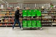 Eine Mitarbeiterin von Amazon Fresh in München. (Bild: PD)