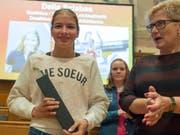 Delia Sclabas (links) sorgt im Lager der Juniorinnen weiter für Furore und holte mit Schweizer U20-Rekord Junioren-WM-Bronze über 800 m (Bild: KEYSTONE/LUKAS LEHMANN)