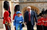 Queen Elizabeth II. empfing den US-Präsidenten tradionsgemäss im Schloss Windsor. (Pablo Martinez Monsivais/AP, 13 Juli 2018)