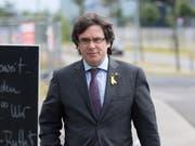Der katalanische Separatistenführer Carles Puigdemont will sich mit allen Mitteln gegen seine Auslieferung von Deutschland an Spanien wehren. (Bild: KEYSTONE/EPA/MARKUS HEINE)