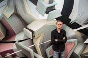 Grafitti-Künstler Mirko Reisser alias Daim hat in der Kunsthalle Luzern in sechs Tagen ein grosses Wandbild gesprayt. (Bild: Manuela Jans-Koch (Luzern, 12. Juli 2018)