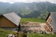 Vom Alpbeizli aus geniesst man ein herrliches Panorama. (Bild: Sepp Odermatt, 10. Juli 2018)