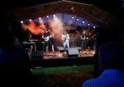 Rock the Docks spielte vor zwei Jahren die Zuger Band Öz Ürügülü im Zelt. (Bild: Stefan Kaiser (Zug 2. September 2016))