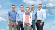 Die vierte Generation, von links: Reto Holenstein, Peter Holenstein, Yvonne Züger- Holenstein, Kurt Holenstein und Roman Holenstein. (Bild: PD)