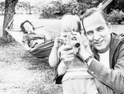 Der Künstler und der Vater: Ingmar Bergman mit seiner vierten Frau, der Konzertpianistin Käbi Laretei, und seinem Sohn Daniel. (Bild: Praesens Film)