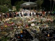 Frankreichs Premierminister Edouard Philippe hat bei einer Gedenkveranstaltung für die Opfer des Terroranschlags 2016 in Nizza zusätzliche Unterstützung für Anschlagsopfer zugesagt. (Bild: KEYSTONE/AP/CLAUDE PARIS)