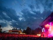 Zufriedene Besucher, zufriedene Organisatoren: Die Bilanz des diesjährigen Gurtenfestivals fällt positiv aus. (Bild: KEYSTONE/ANTHONY ANEX)