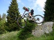 Nino Schurter musste sich beim Weltcup-Rennen in Andorra mit Rang 2 begnügen (Bild: KEYSTONE/GIAN EHRENZELLER)