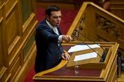 Der griechische Premierminister Alexis Tsipras steht derzeit mit Russland im Clinch.Bild: Petros Giannakouris/AP (Athen, 5. Juli 2018)