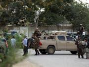 In Kabul hat es am Sonntag erneut einen Selbstmordanschlag mit zahlreichen Todesopfern gegeben. (Bild: KEYSTONE/EPA/JAWAD JALALI)